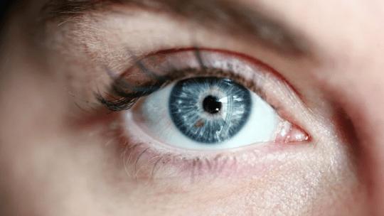 Oxysept Comfort hilft bei empfindlichen Augen